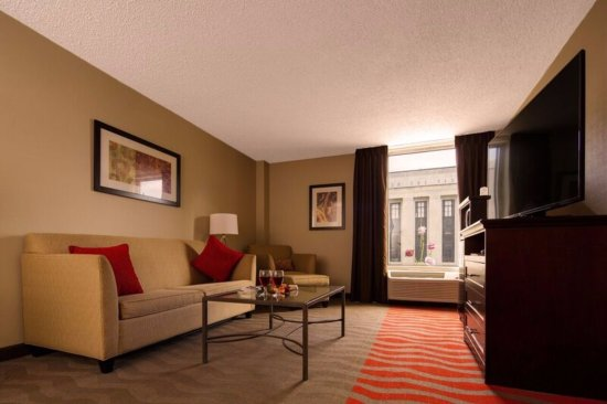 Holiday Inn Express Nashville Downtown Conference Center Photo