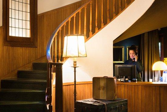 Hotel Primero Primera: Reception
