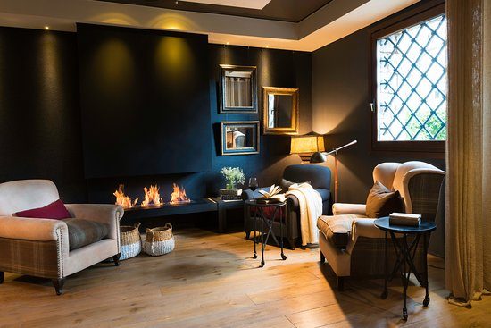 Hotel Primero Primera: Living room