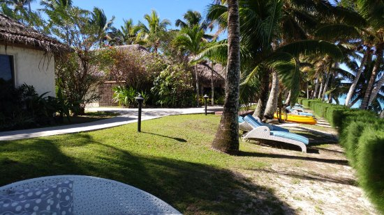 Titikaveka, Cook Islands: Picture of the grounds