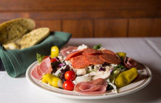 Brooksville, Flórida: Antipasto Salad @ Papa Joe's