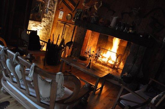 Saint-Laurent-d'Olt, France: salon du gite 'Montagne'