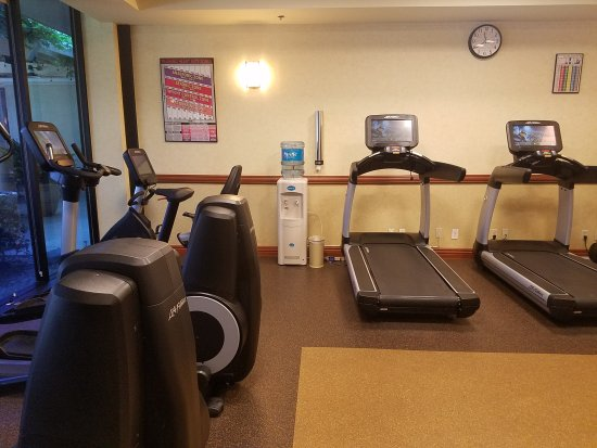 Rancho Cordova, CA: Treadmills and water dispenser