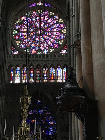 Cathedrale Notre-Dame de Reims: Wonderful cathedral