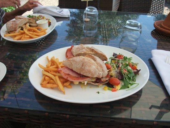The Coppleridge Inn: Bacon, Brie & Cranberry