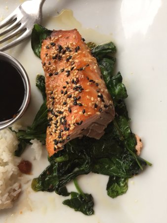The Station Kitchen and Bar: Sesame encrusted Salmon