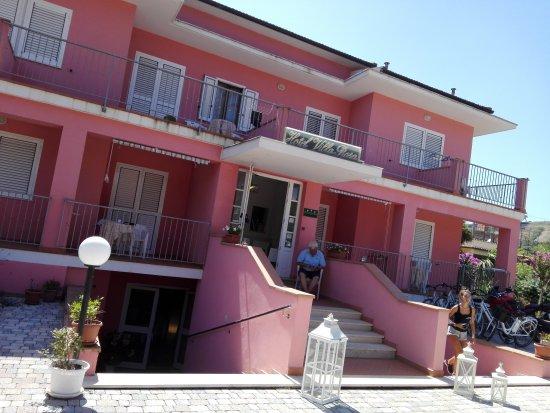 Hotel & Residence Villa Rosa: IMG_20170725_150420_large.jpg