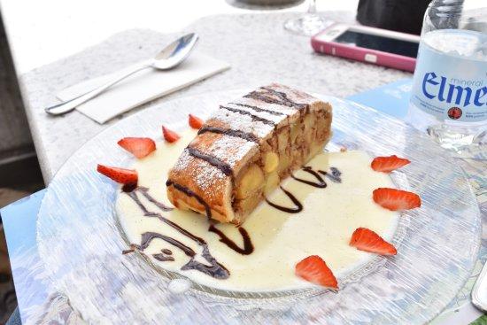 Hotel Edelweiss : dessert. apple strudel