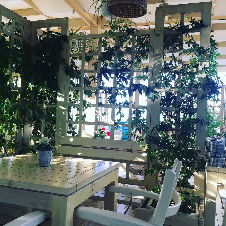 Sol Marina Palace: Outdoor restaurant