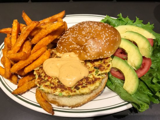Great Neck, NY: Crab cake Burger w/ spicy chipotle mayo