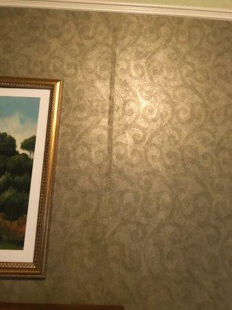 North Stonington, CT: More wallpaper glue drippings