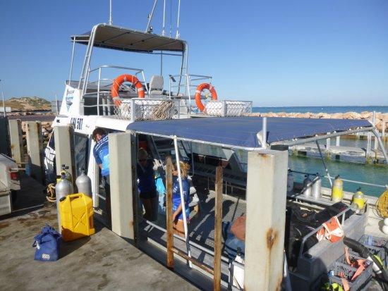 Coral Bay, Australia: Schiff