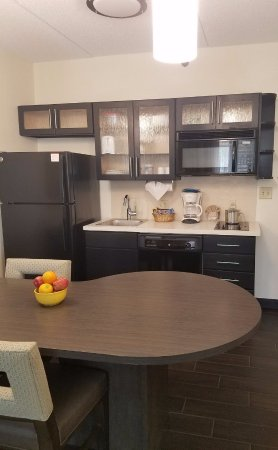 Candlewood Suites East Syracuse - Carrier Circle : Two Bedroom Suite Kitchen