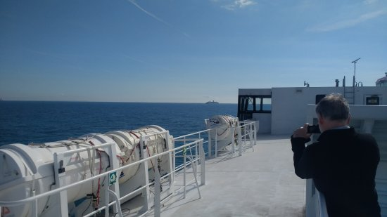 Kanaaleilanden, UK: View from the upper deck, Condor Liberation.
