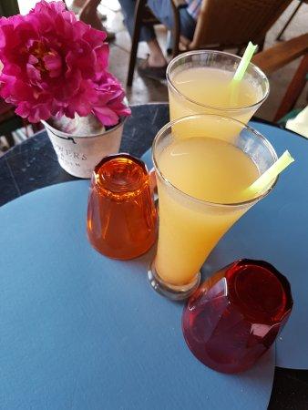 Mirepoix, France : La délicieuse et rafraîchissante boisson gingembre-citron frais