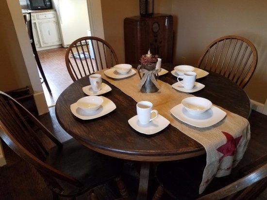 Altavista, فيرجينيا: Intimate Dining room