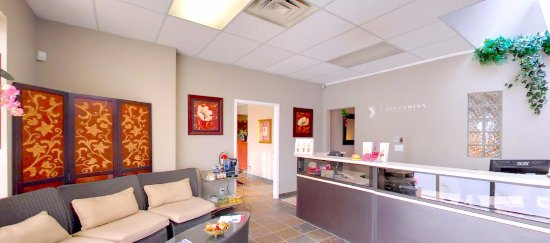 Barrie, Canada: Spa Lumina Front Desk