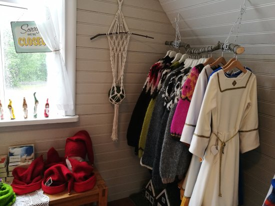 Hafnarfjordur, Islandia: Most products are elf/nature inspired and  handmade by locals