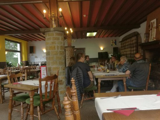 Robertville, Bélgica: CheZ Phil interieur restaurant