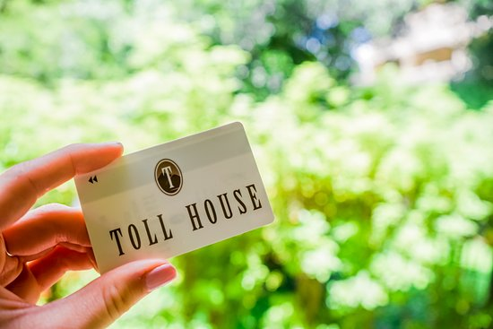 Toll House Hotel Photo