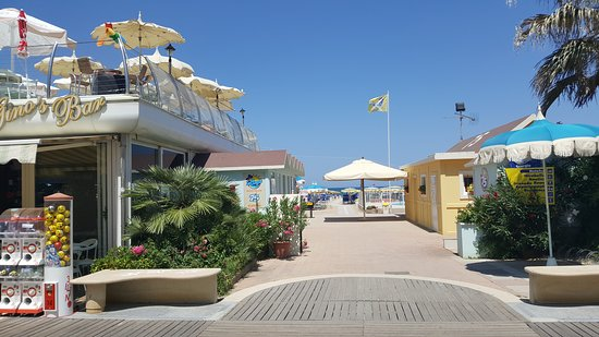 La Playa Beach Village