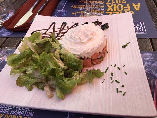 Montgaillard, ฝรั่งเศส: tartare de saumon chantilly de fromage