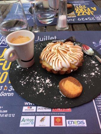 Montgaillard, France: tarte au citron meringuée