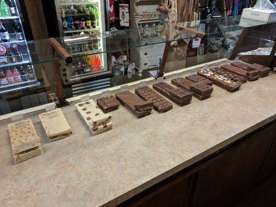 Port Jefferson Outpost Makes it's Own Fudge In Store!