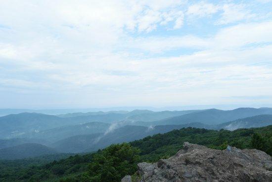 Bearfence Mountain: 360 view point