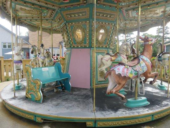 Smithville, Nueva Jersey: The Carousel