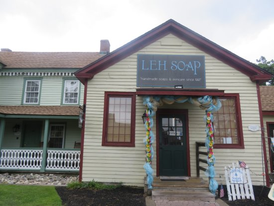 Smithville, NJ: Soap Store
