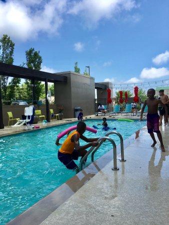 Clarksville, TN: Swimming pool