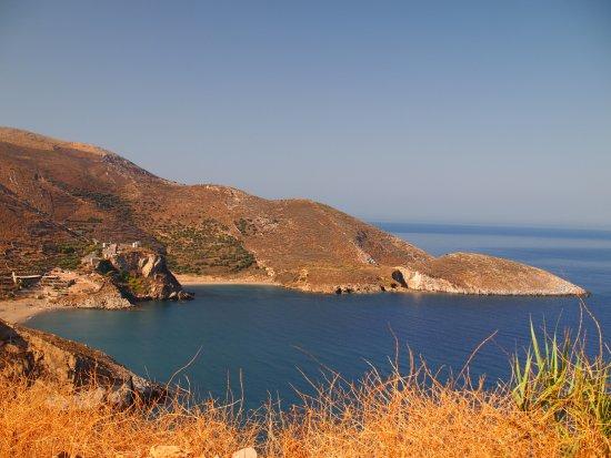 Marmari, Grecia: hotel and beach are on left