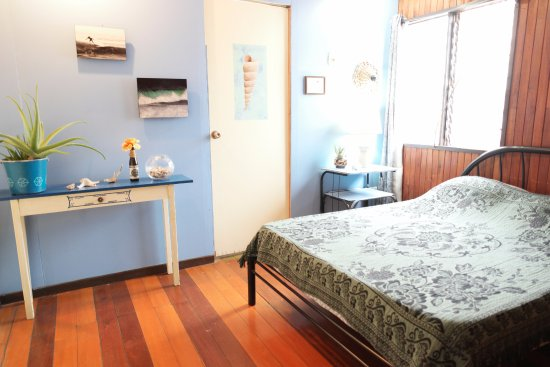 San Pedro, Costa Rica: Double room with private bathroom
