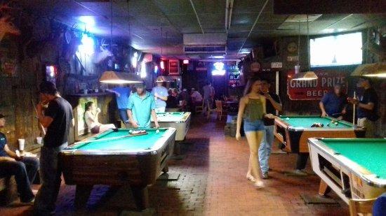 College Station, TX: varias mesas de pool para jugar y distenderse