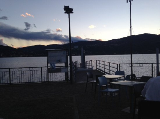 Ranco, Italia: Sunset over the lake