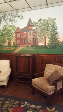 New Ulm, MN: mural in waiting room