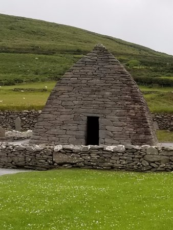 Gallarus Oratory: Amazing how carefully constructed it had to be to stand for 1300 years!