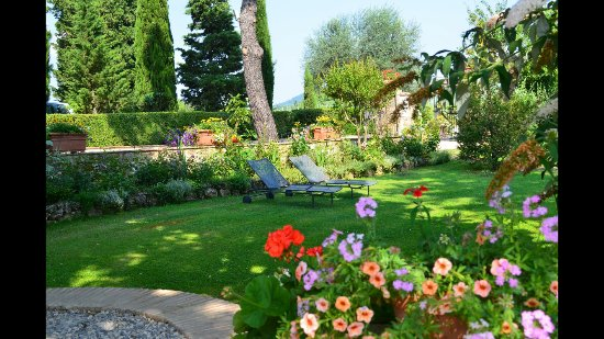 Terre di Nano: One of many sitting nooks on the property