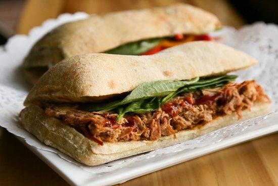 Cowansville, Canada: Plusieurs choix de sandwichs