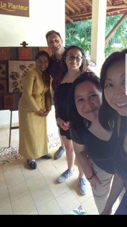 Pavillon d'Orient Boutique-Hotel : Lovely Staff at the Pavilion. Us with Soya