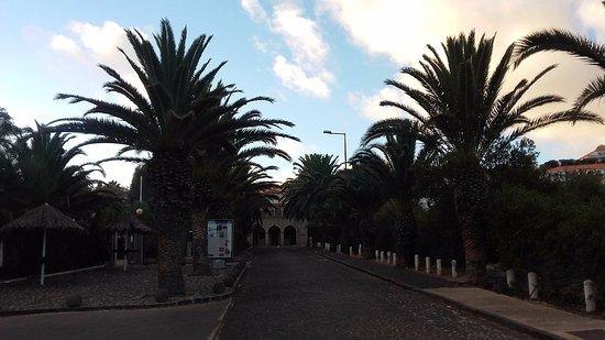 Torre Praia Hotel: Rua de acesso ao Hotel