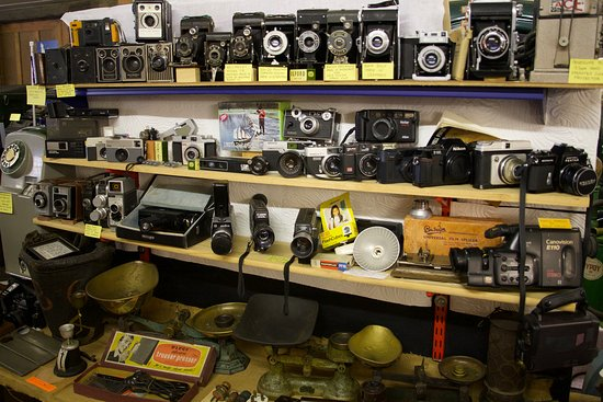 Stowmarket, UK: Lots of film cameras with the odd more recent