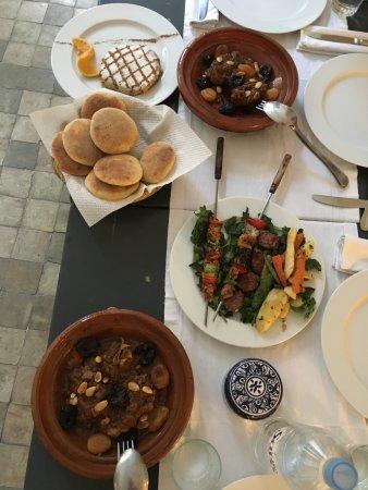 Hotel & Spa Riad Dar Bensouda: Repas proposé par le menu du riad