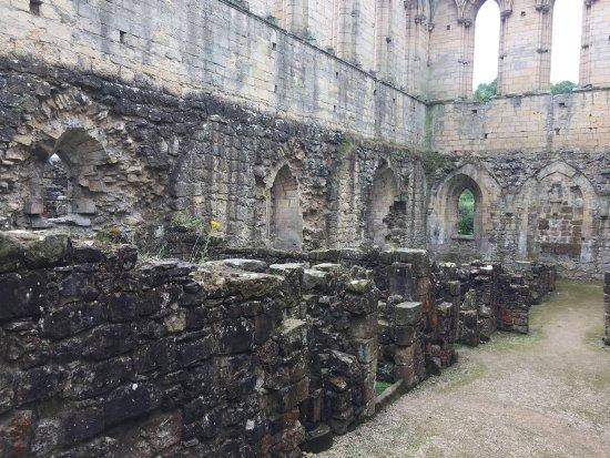 Helmsley, UK: Rievaulx Abbey