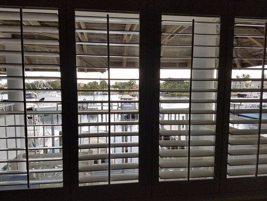 Pirate's Cove Resort and Marina: Looking outside the window.