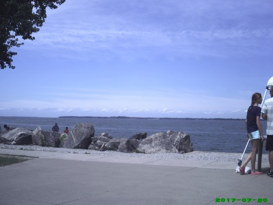 Marblehead, OH: Lake erie closer to the lighthouse