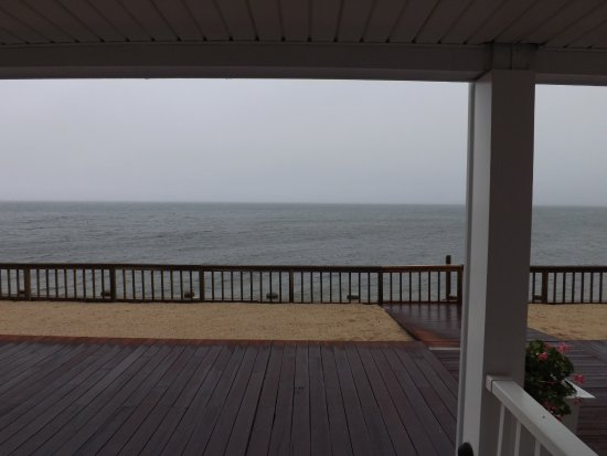 Crow's Nest Resort: Beautiful view from my front door even on a gloomy evening