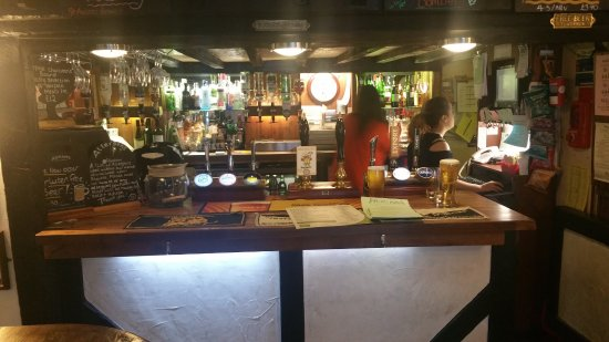 Watton, UK: Bar counter