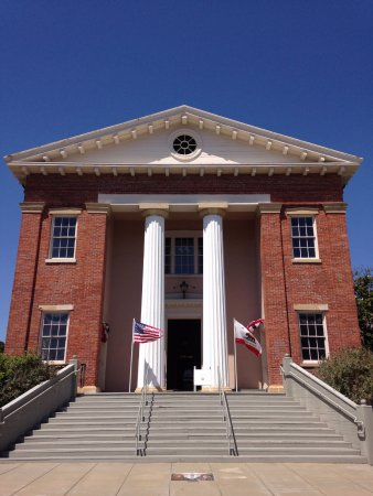 Old CA State Capitol in Benicia, front view